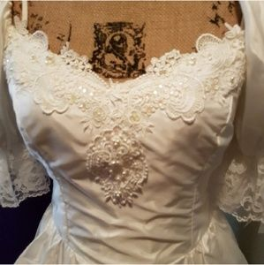 SnowWhiteBeaded Ballroom Wedding Dress